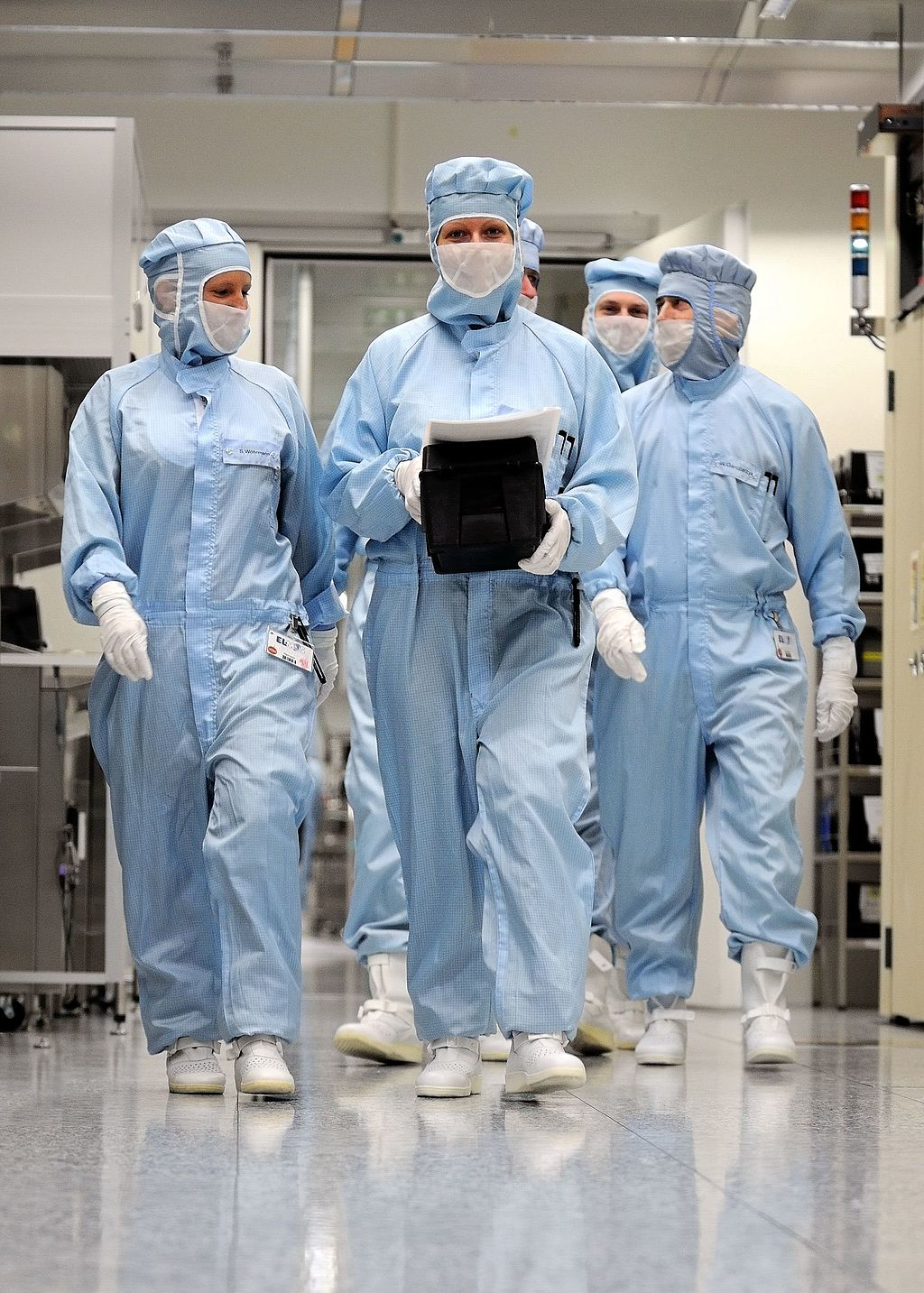 How Does a Cleanroom Work? It helps to know before establishing one in the first place...