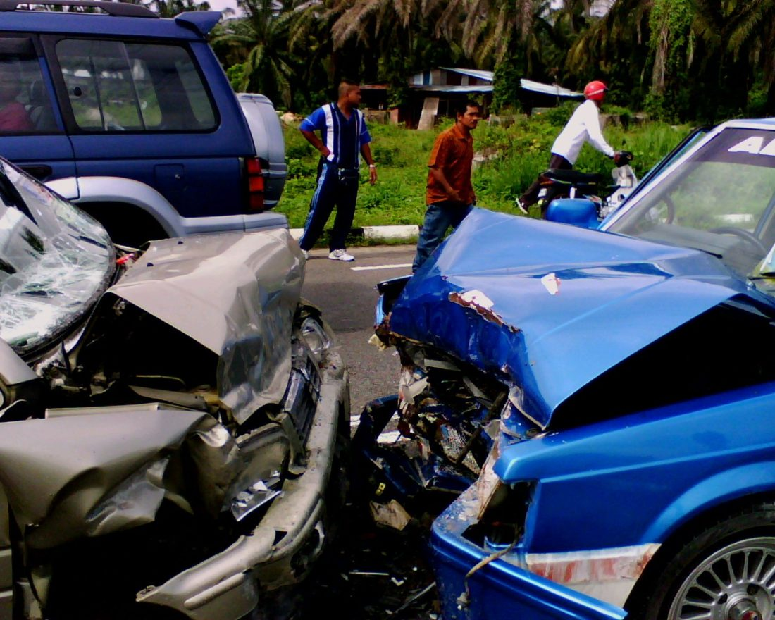 How to Prepare for a Car Accident pics